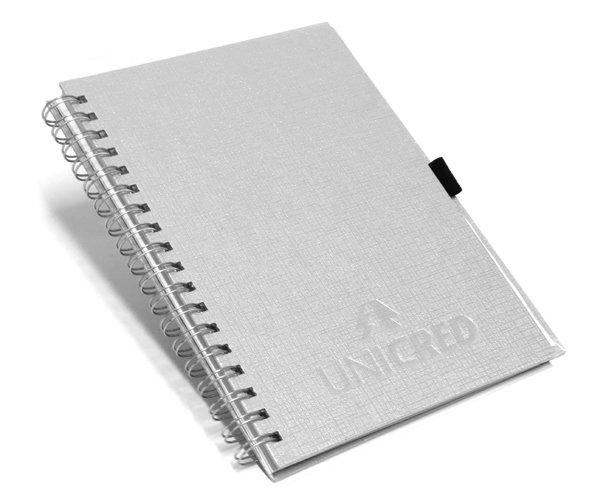 Cadernos Personalizados linho prata com suporte para caneta 17x24 cm