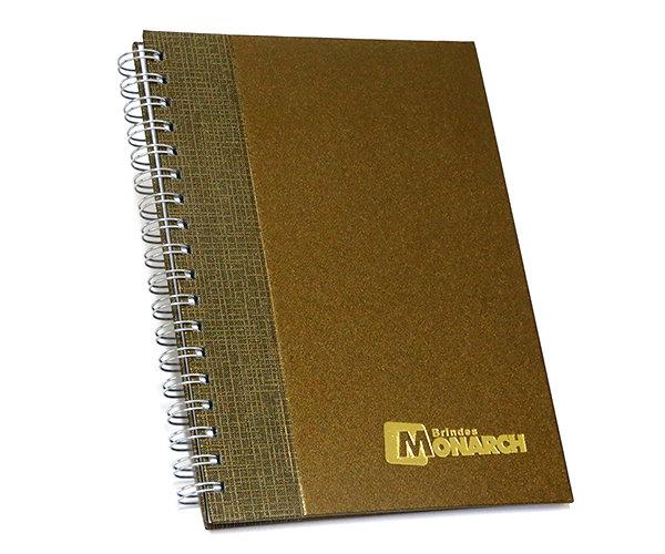 Cadernos Personalizados perolizado com recorte reto 17x24 cm