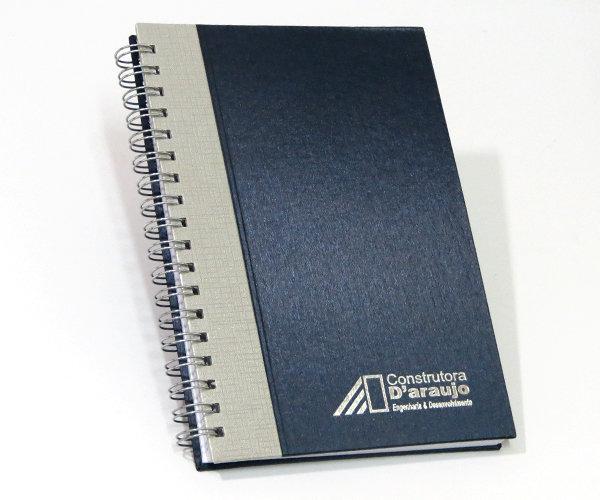 Cadernos Personalizados Escovado com Recorte reto 17x24 cm